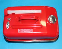 給油する時は、キャップを外す前にエアー調整ネジをゆるめガソリン缶内の圧力を抜いて下さい。
