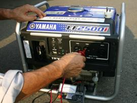 専門スタッフによるメンテナンス。漏電チェックは欠かしません!!